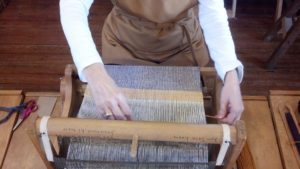 weaving_small_loom